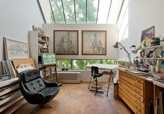 Cliff Road Studios was built in 1968 as a series of live/work spaces for artists, to a design by the Modernist architect Georgie Wolton. This particular apartment was used as a studio by the same painter since the late 1960s until it was sold by The Modern House in 2013. Georgie Wolton was one of […]