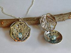 White Pearl Remembrance Locket Necklace Jewelry Loss by SouthernComfortZone Remembrance Locket Necklace Jewelry - Loss of a Loved One - Mom Dad Husband Child Grandma Papa Personalized Hand Stamped Sympathy Gift Jewelery, Jewelry Necklaces, Charm Bracelets, Victoria Kay, Memorial Jewelry, Sympathy Gifts, Personalized Necklace, Black Crystals, Locket Necklace