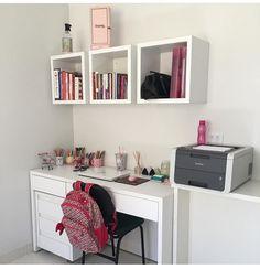 Desk decor design ideas and fun accessoris Study Room Decor, Cute Room Decor, Bedroom Decor, Bedroom Ideas, Home Office Design, Home Office Decor, Home Decor, Girl Bedroom Designs, Girls Bedroom