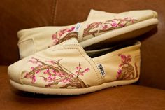 i want some custom toms!