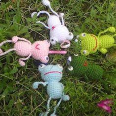 Happy Frogs amigurumi crochet pattern