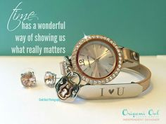 Origami Owl Signature Twist Watch. Step 1: Choose a leather wrap Step 2: Choose a face for your watch base Step 3: (optional) Add an inscriptions plaque, or slider. OR window frame!