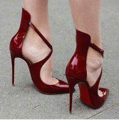 No me gustan los zapatos en punta porq lastiman los dedos pero estos definitivamente me pondría están divinos ladieshighheelsho...