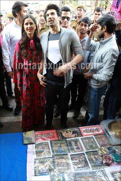 Katrina Kaif and Aditya Roy Kapur shopping at Janpath, Delhi while promoting #Fitoor. #Bollywood #Fashion #Style #Beauty #Hot #Sexy