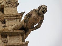 Estatua de la Lonja de la Seda en Valencia sxv