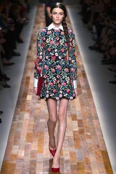 Valentino Fall 2013 Ready-to-Wear Fashion Show - Kremi Otashliyska (Elite)