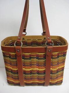 Pretty Longaberger Basket.......like the color combination....