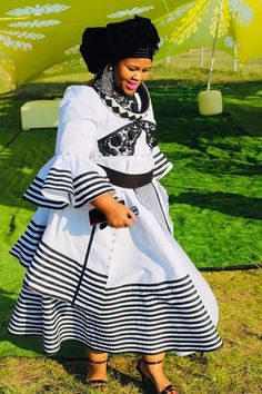 South African Dresses, African Dresses For Women, African Attire, African Wear, African Fashion Dresses, African Clothes, African Style, African Traditional Wedding Dress, African Fashion Traditional