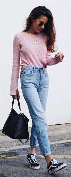 Vücut tipine göre giyinmek çok önemlidir. Özellikle jean pantolon gibi hayat kurtaran bir parçanın size yakışıp yakışmaması çok daha önemli.