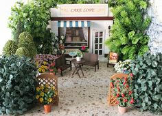 Miniature Cafe with Courtyard!