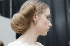 chanel-spring-2016-couture-backstage-kevin-tachman-19