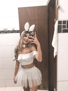 Bunny Halloween Costume, Halloween Costumes For Teens Girls, Cute Couple Halloween Costumes, Purim Costumes, Cute Costumes, Halloween Kostüm, Halloween Outfits, Costumes For Women, Homemade Halloween