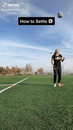 Soccer Footwork Drills, Soccer Practice Drills, Soccer Training Drills, Soccer Coaching, Football Tricks, Football Workouts, Soccer Videos, Soccer Tips, Soccer Jokes