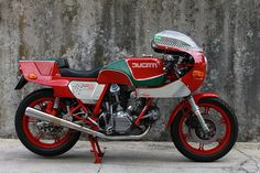 Racing Cafè: Ducati MHR 900 by Stefano Casarsa