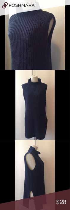 "Ann Taylor M chunky knit mock neck slvless tunic Navy/black chunky knit sleeveless tunic. Mock turtle tunic length 30"" with slits on sides. Cotton/acrylic blend. Size M. Ann Taylor Sweaters"