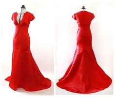 An elegant red evening dress featuring cap sleeves, a flattering mermaid skirt, deep V-neckline and a floor- sweeping chapel train that ups the drama. Dress measurements: Bust: 36 Waist: 30 Hips: 38.5 Length: 62.5 Chapel train:10 Perfect for black tie events, cocktail parties, prom, weddings, or Affordable Evening Dresses, Evening Dresses Uk, Gala Dresses, Mermaid Evening Dresses, Red Carpet Dresses, Formal Dresses, Cocktail Parties, Mermaid Skirt, Chapel Train