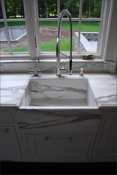 Marble sink and countertop...mmm