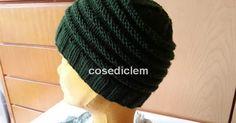 Evviva! Ho finito il mio primo cappello lavorato con i mini ferri circolari ed ora provo a spiegarvi come ho fatto... Occorrent... Tutorial, Nice Things, Beanie, Knitting, Mini, Fashion, Home, Gift, Moda