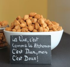 ATCHOMON 🇧🇯 – Plein d'épices Beignets, Chin Chin Recipe, Food N, Food And Drink, Food Flashcards, Nigerian Food, Popcorn Recipes, French Food, Food Dishes