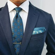 We encourage you to step-up your menswear game with vibrant colors and patterns. Have fun and make a statement with our select men& accessories. Mens Style Guide, Men Style Tips, Mens Fashion Blog, Men's Fashion, Fashion Tips, Smart Casual Outfit, Casual Outfits, Blue Suit Men, Suit And Tie