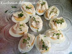 Prościej się chyba nie da przygotować jajek. Nie wszyscy niestety lubią faszerowane jajka, dlatego zawsze przygotowuję kilka jajek w tradyc... Panna Cotta, Eggs, Breakfast, Ethnic Recipes, Food, Morning Coffee, Dulce De Leche, Essen, Egg