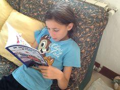Cosa si può leggere in vacanza?... Mah... ;))  #UnSottomarinoInPaese http://vanessanavicelli.com/booktrailer/