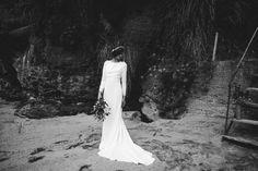 """""""Halophila"""" es la nueva colección 2017 de la firma Boüret Atelier. Diseños vintage, bordados románticos y espaldas sofisticadas para novias con carácter #novias #bodas #wedding #vintage"""