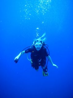 Caroline McCaul earned her certification in scuba diving during her sophomore year in high school.  For More Information Visit at https://www.linkedin.com/in/carolinemccaul