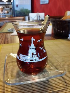 Turkish tea Turkish Breakfast, Turkish Tea, Turkish Style, Easy Meal Prep, Easy Meals, Food Decoration, Coffee Love, Drinking Tea, Tea Time