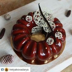 We Liked this on Instagram ... akademia_mistrza: Reposted from @tretyakovadarya Wiśniowo-czekoladowo-waniliowe ciasto - czy można chcieć więcej w tę nieprzewidywalną aurę? :) #akademia_mistrza #kruszwicainspiruje #instalike #inspiracje #friends #pattiserie #confectionery #dodzieła #cake #pastry #dessert #dessertmasters #vanilla #chocolate #cherry