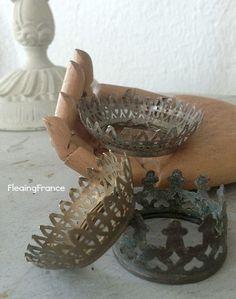 FleaingFrance.....Vintage Crowns