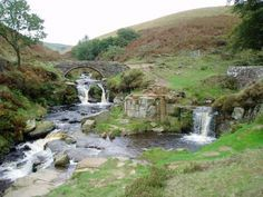 What are the Best Walks in the Peak District? Peak District England, Uk Destinations, Country Walk, Whitewater Kayaking, Ireland Landscape, Ice Climbing, Scenic Photography, English Countryside, Derbyshire