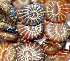 10 Czech Glass Beads Matte Bronze Snails Original Exclusive Authentic Tschechische Glasperlen Schnecke 17 x 13 mm