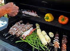 """Healthy Red Meat Alternatives to Grill """"With temps on the rise and summer approaching, it's a given that grills everywhere will be fired up more often – and red meat isn't the healthiest thing to. Summer Grill Recipes, Barbecue Recipes, Grilling Tips, Grilling Recipes, Healthy Grilling, Healthy Cooking, Healthy Food, Healthy Recipes, Gas Grill Reviews"""
