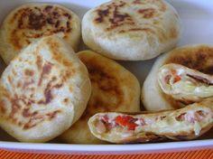DSC042381 Kaja, Garlic Bread, Hot Dog Buns, I Foods, Nom Nom, Sausage, Appetizers, Cooking Recipes, Pizza