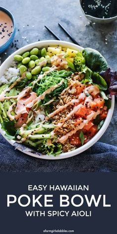Easy to make poke bowl recipe with spicy mayo!Easy Hawaiian Poke Bowl with Spicy Aioli - It's like a deconstructed sushi roll in a bowl, with warm rice, cold fish, and a variety of delicious toppings and sauces! Fish Recipes, Seafood Recipes, Asian Recipes, Healthy Recipes, Raw Recipes, Healthy Foods, Dessert Recipes, Clean Eating Recipes, Healthy Eating