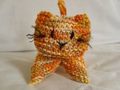 Free kitty pattern. Looks like she has lots of other really cute crochet patterns as well!