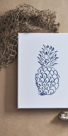 Pineapples mean welcome, right!? Then warmly welcome guests to your beach house with this simple - yet elegant - pineapple canvas wall print. Easy to hang. High on style. It's a simple at that!