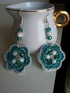 Crochet Necklace Pattern, Bead Crochet, Crochet Crafts, Crochet Designs, Crochet Patterns, Mehndi Designs For Girls, Crochet Fashion, Crochet Accessories, Bead Earrings