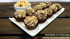 El chocolate nunca defrauda así que ¡regala #bombones al estilo de los Ferrero! Como hacer en casa bombones de #avellana, #receta y vídeo. #golosolandia http://www.golosolandia.com/2016/02/bombones-de-avellana.html