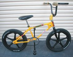 Mongoose Bike, Vintage Bmx Bikes, Jdm Wheels, Bmx Cruiser, Chopper Bike, Bmx Bicycle, Bike Style, Extreme Sports, Old School