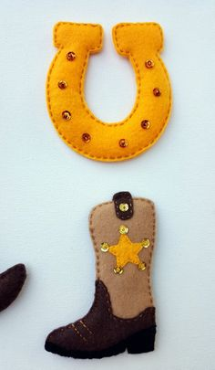Lucky cowboy felt magnets or ornamentsSet of 4 Felt cowboy Cowboy Christmas, Felt Christmas, Christmas Crafts, Country Christmas, Christmas Christmas, Felt Diy, Felt Crafts, Felt Cowboy Hats, Cowboy Boots