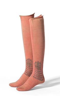 Stockings, 1610, Silk, Silver gilt, Cotton. England. National Gallery of Victoria, Melbourne, Accession # CT92.a-b-1989 http://www.ngv.vic.gov.au/explore/collection/work/48893/