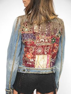 Boho Embroidered Jeans Jacket/ Jeans Studded Jacket/ Vintage patch embroidery Jacket/ SMALL,Chain Jacket perfect for adding an edgy touch to any look. Vintage Indian Embroidery in back, studs accents allover! Studded Jeans, Studded Jacket, Jean Jacket Outfits, Jacket Jeans, Mundo Hippie, Denim Fashion, Boho Fashion, Vintage Patches, Embroidered Jeans