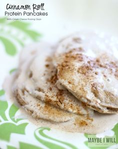 These protein rich cinnamon roll pancakes are totally guilt free and will ROCK your world! Cinnamon Roll Pancakes, Pancakes And Waffles, Cinnamon Rolls, Vegetarian Types, Vegetarian Recipes, Cooking Recipes, Low Carb Protein, Protein Foods, High Protein