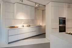 kitchen by bulthaup Belgium - van damme team , photography by http://Cafeine.be Architectuur-  interieurfotografie http://www.bulthaupsf.com