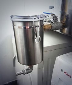 DIY hopback. This would a cool way to do zero minute hops. Just seconds before the wort is chilled. I feel an experiment coming on.