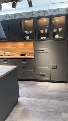 Your Kitchen Partner Eating Modern Classic, the Credo in Slate Grey Kitchen Pantry Design, Diy Kitchen Storage, Modern Kitchen Design, Home Decor Kitchen, Interior Design Kitchen, Home Kitchens, Kitchen Ideas, Home Interior, American Kitchen Design