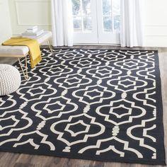 """Safavieh Indoor/Outdoor Courtyard Black/Beige Geometric Rug (5'3"""" x 7'7"""")"""
