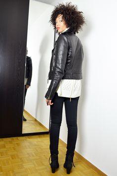 #mercredie #blog #mode #geneve #geneva #fashionblogger #suisse #switzerland #blogueuse #blogger #lespetites #col #roule #turtle #neck #turtleneck #perfecto #balenciaga #leather #jacket #biker #zips #black #afro #hair #nappy #natural #curls #curly #color #colored #Black #pistol #acne #Boots #slim #back #zip #zipped #zips
